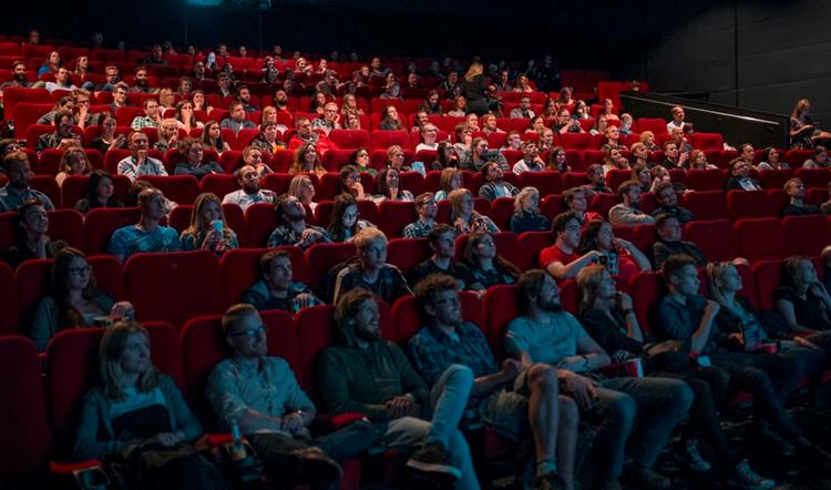 kinosaal_750x442.jpg